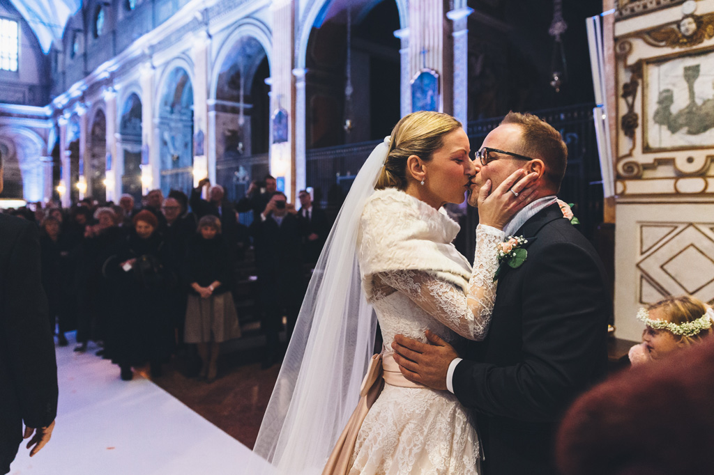 Finalmente Irene e Riccardo si ricongiungono in un bacio appassionato