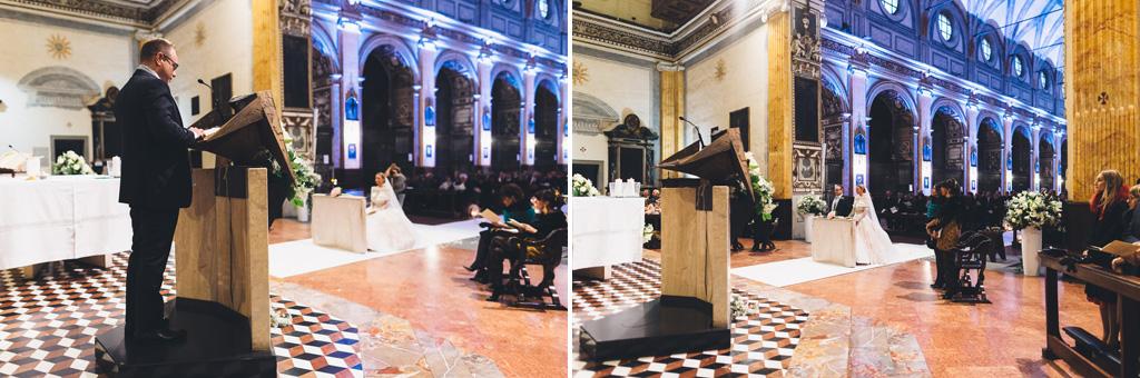 Lo sposo elenca alcune preghiere in chiesa