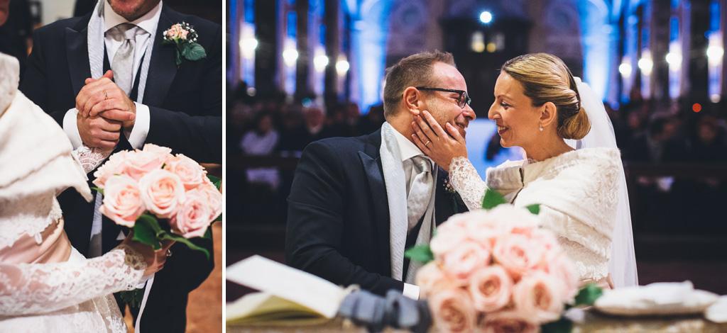 I due sposi, Riccardo e Irene, si possono finalmente baciare come marito e moglie