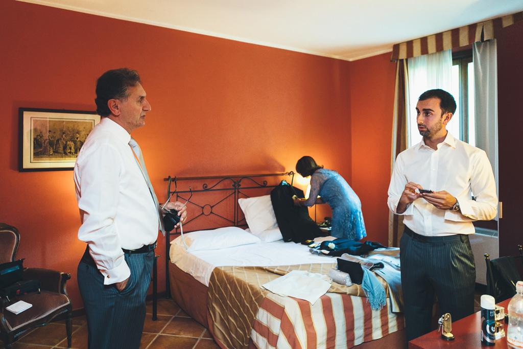 Federico si confronta con il padre durante la preparazione