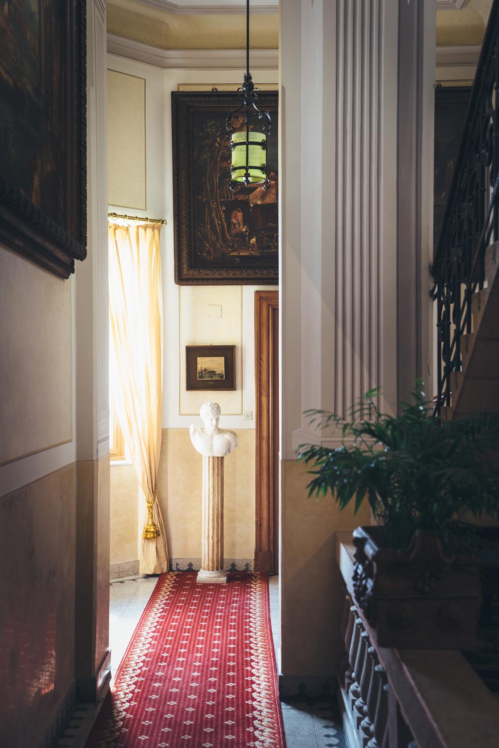 Uno scorcio interno dell'hotel a cinque stelle Villa del Sogno