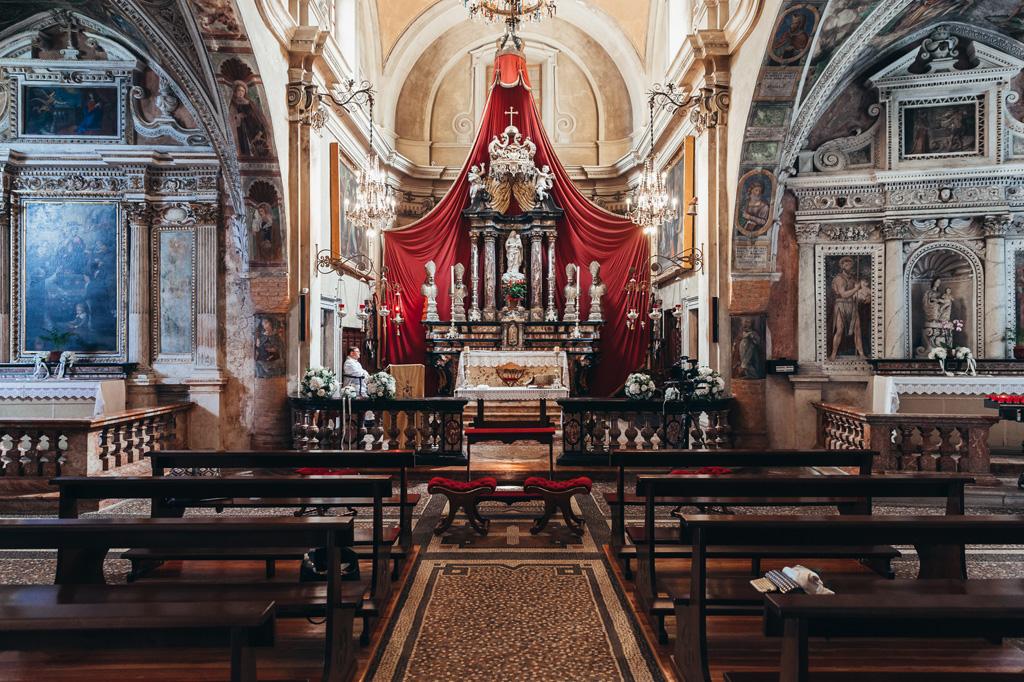 Una panoramica della cattedrale in cui si celebrano le nozze di matrimonio presso Lugano