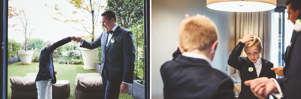 Un bambino gioca in compagnia di Luca, lo sposo
