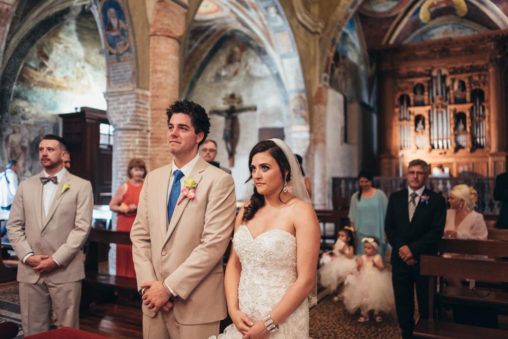 Mark e Loreanne assistono alla cerimonia di matrimonio