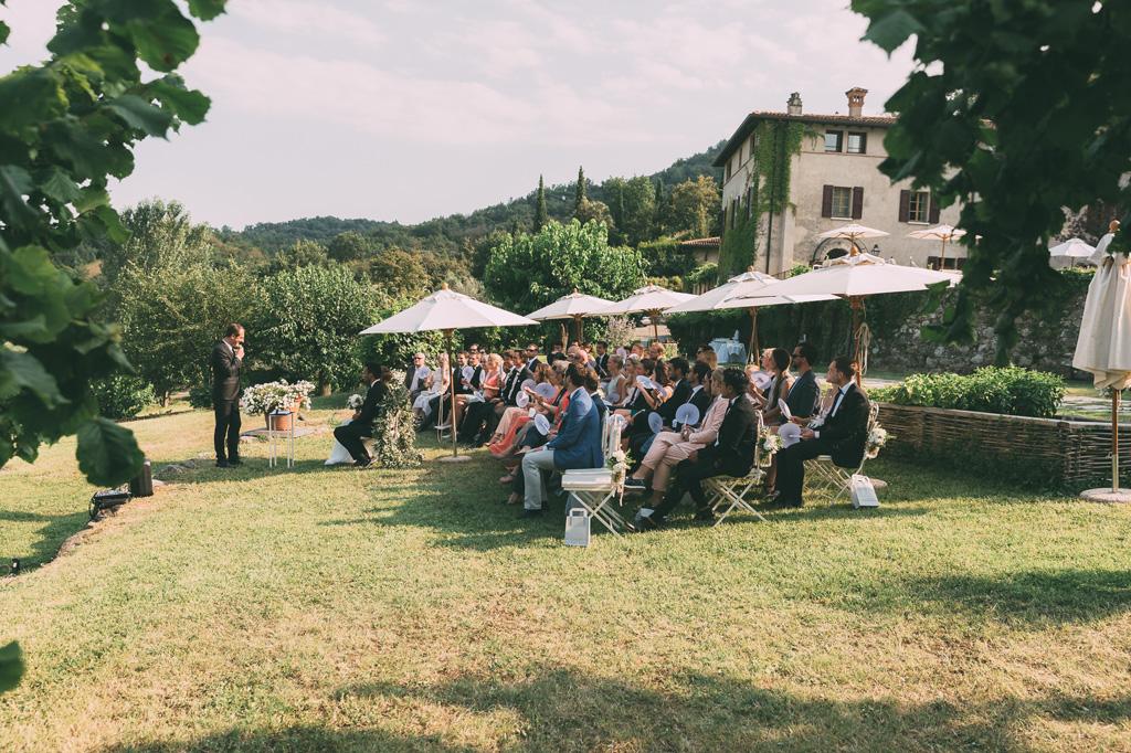 Una panoramica della cerimonia di matrimonio