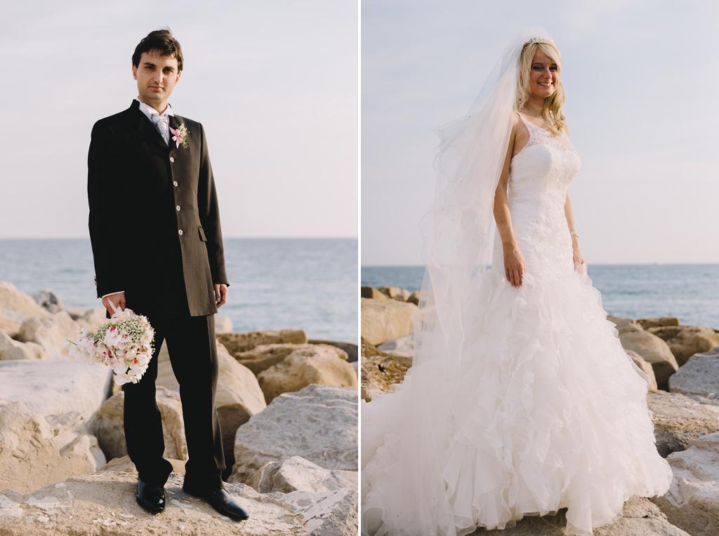 I due sposi, Danilo e Giorgia, in posa sul lungomare a Sanremo