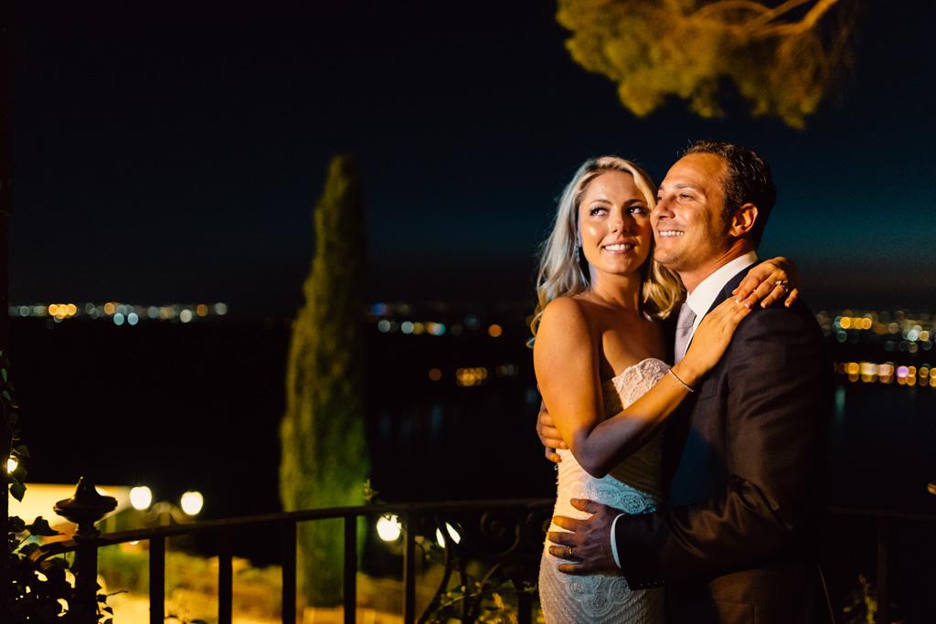 I due sposi posano per il fotografo Della Savia Alessandro