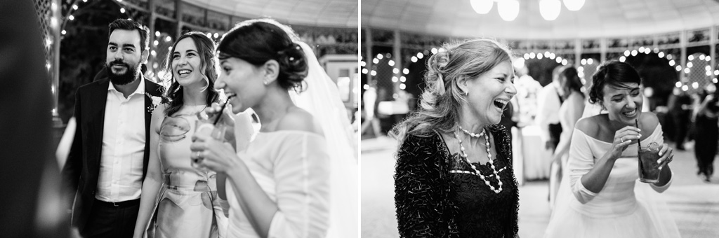 Gli ospiti bevono e si ristorano durante il ricevimento in momenti scattati dal fotografo Alessandro Della Savia