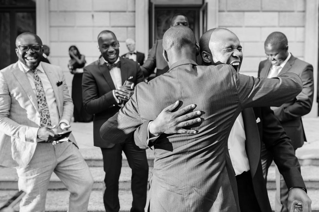 I testimoni vivono un momento di festa immortalato da Alessandro Della Savia, fotografo di Milano