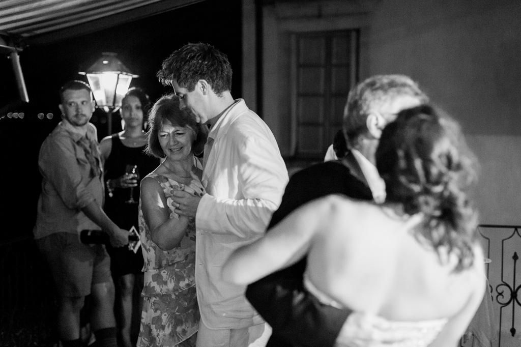 Gli invitati aprono le danze
