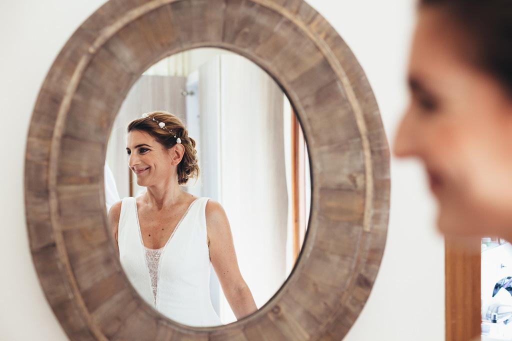 Il riflesso del sorriso della sposa Leticia
