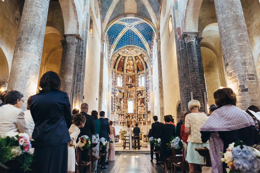 Una panoramica della cerimonia in chiesa