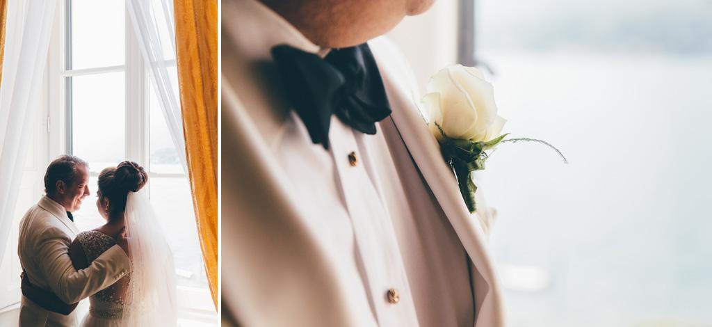 Il papillon e la rosa sono gli ornamenti dello sposo William