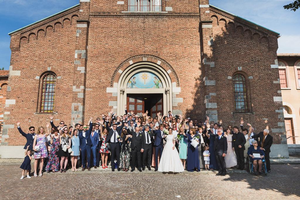 La foto di gruppo di tutti i partecipanti al matrimonio di Davide e Eleonora