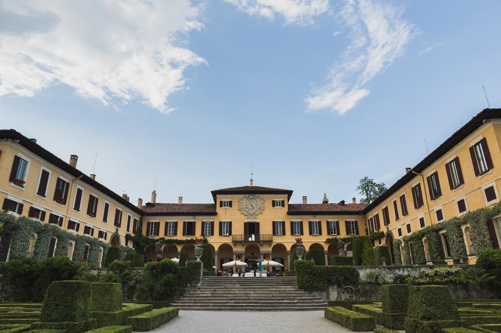 La festa continua presso la splendida location di Villa Orsini