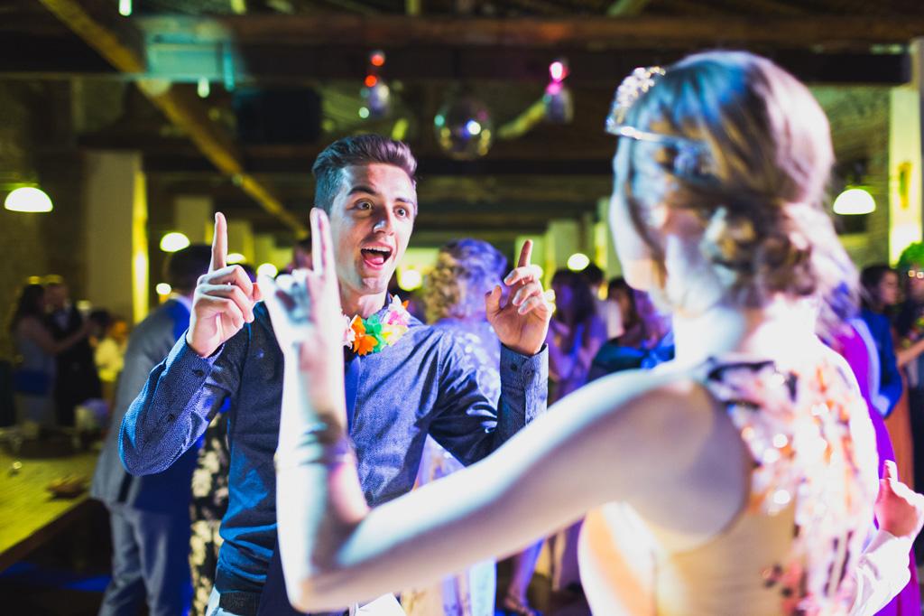 I balli proseguono durante la festa di ricevimento