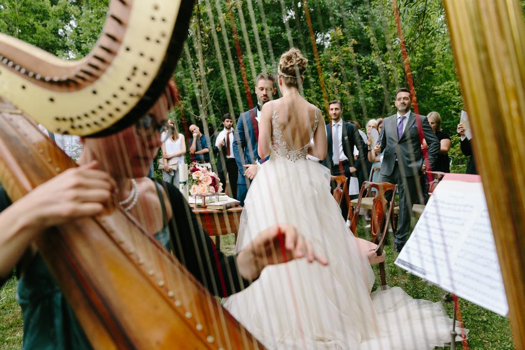 La musica dell'arpa riempie la location della cerimonia di Matteo e Laura