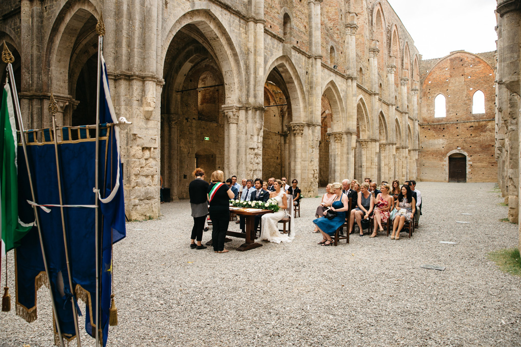 L'Abbazia di San Galgano durante il matrimonio di Carlos e Catherine