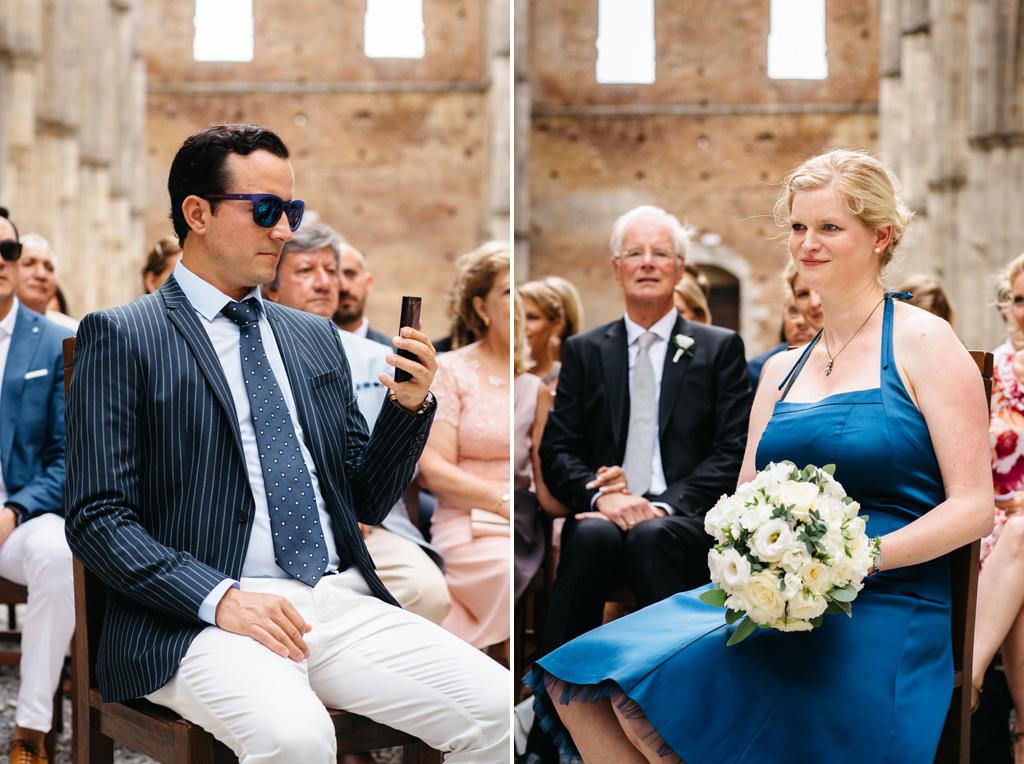 I testimoni degli sposi durante la cerimonia civile