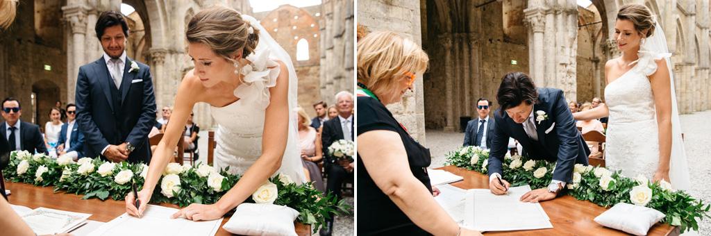 La firma degli sposi