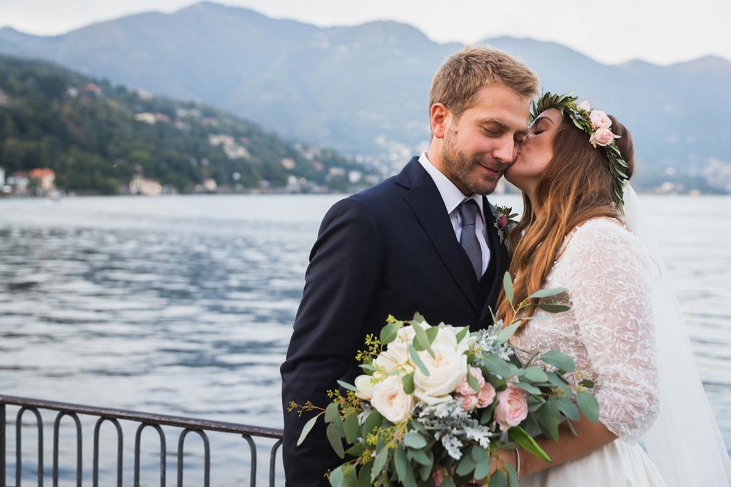 Federico e Carola sulla terrazza sul Lago di Como