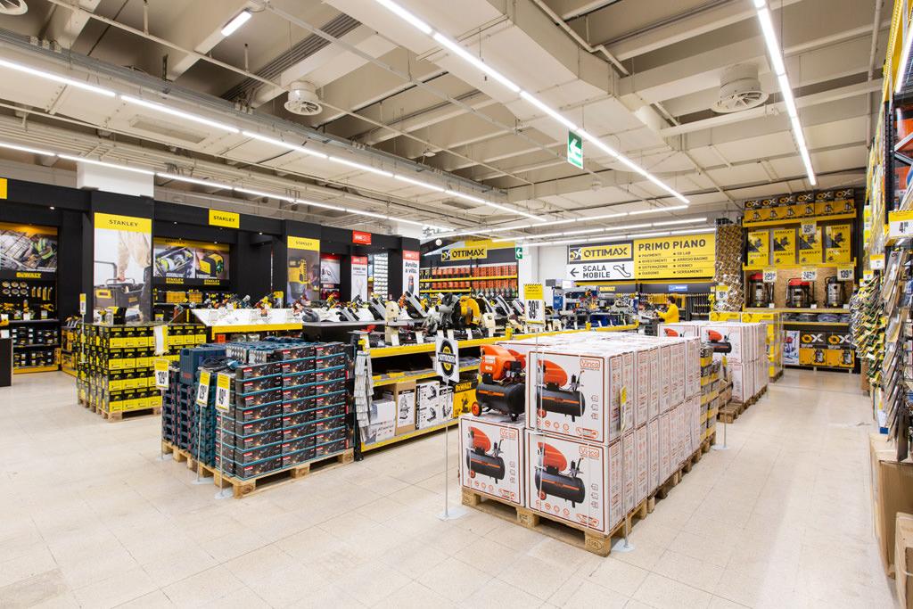 Una panoramica interna del negozio Ottimax