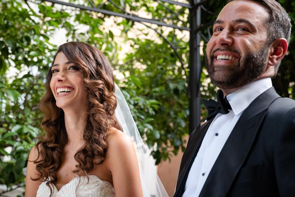 sposi felici cerimonia rito matrimonio shahram e samin villa parravicini revel lago di como