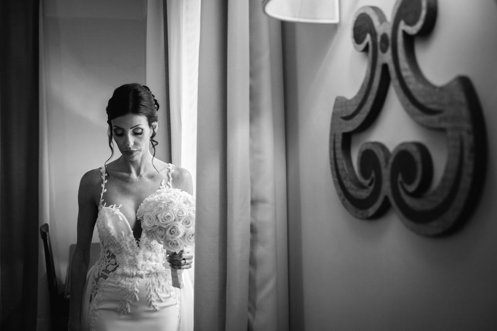 Ritratto della sposa in bianco e nero