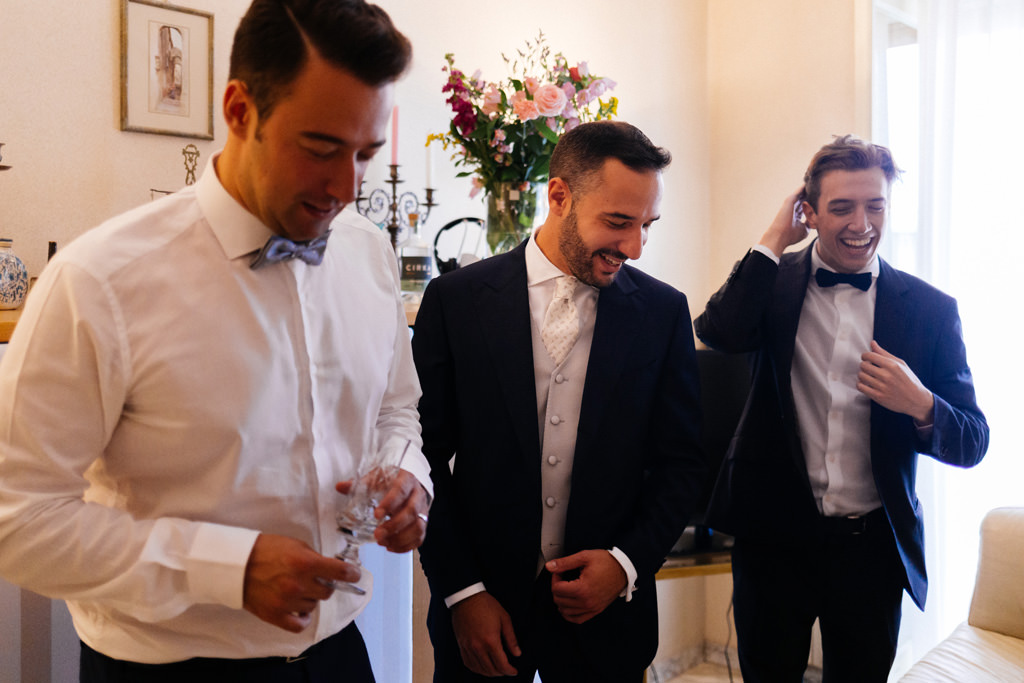 risate sposo casa dello sposo matrimonio cristina e andrea milano