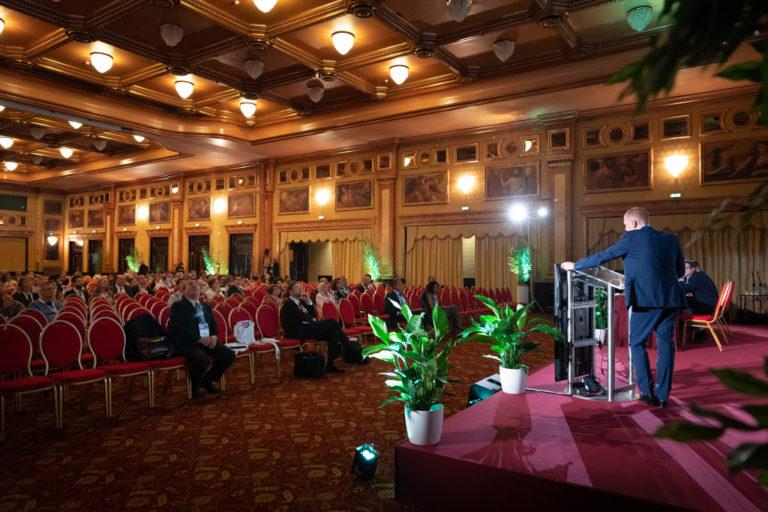 Una panoramica della sala dell'undicesimo congresso dell'EUGA ripreso dal fotografo Della Savia
