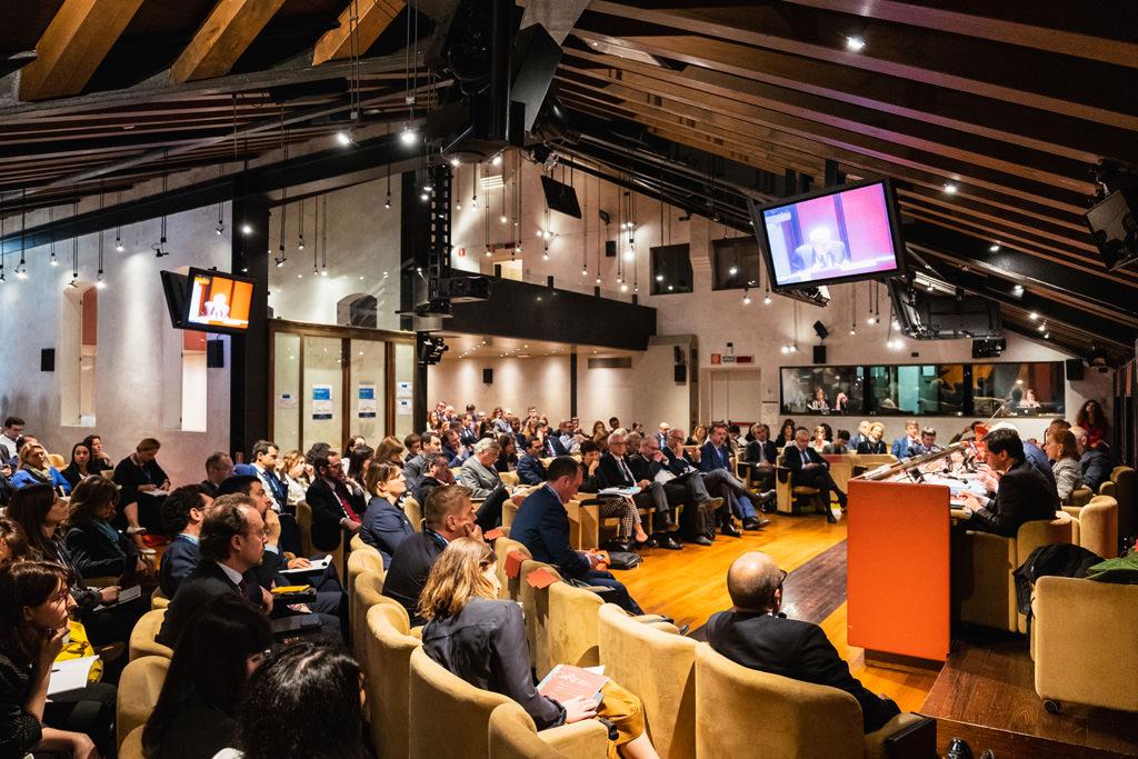 IUn panoramica del tredicesimo convegno dell'Antitrust ripresa da Della Savia, fotografo di eventi e convegni
