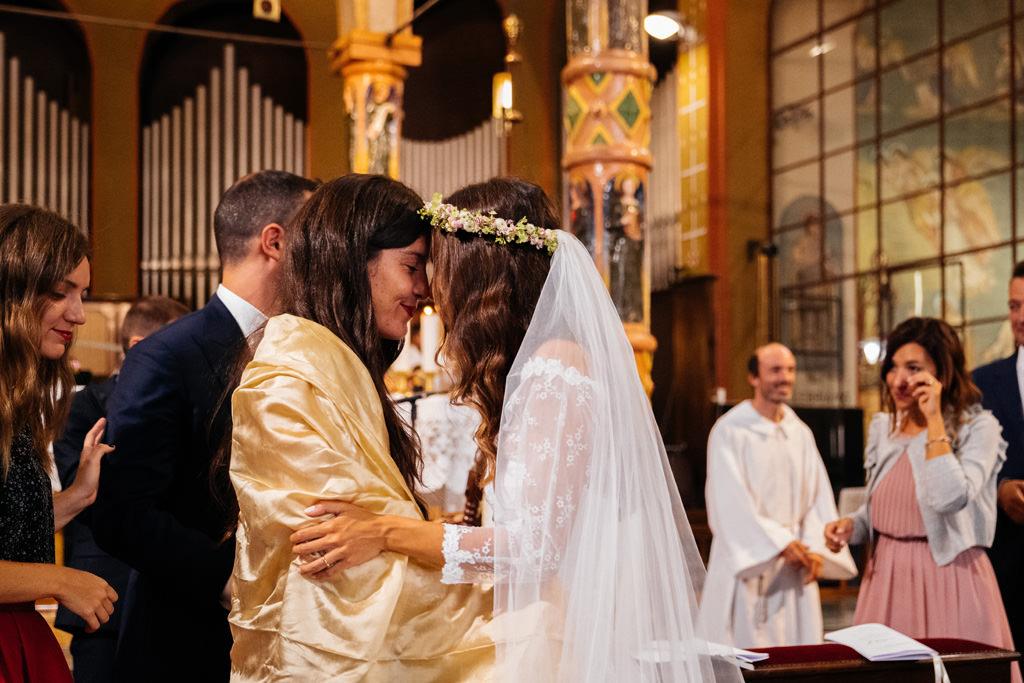 sposa e damigella matrimonio chiesa cristina e andrea
