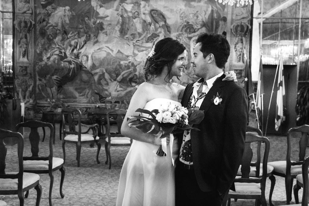 Ritratto di coppia nella sala della cerimonia di Palazzo Reale