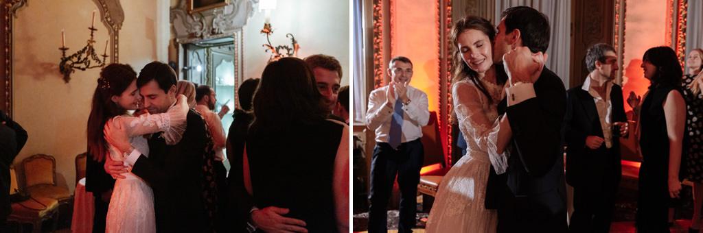 Gli sposi ballano durante il ricevimento a Palazzo Visconti