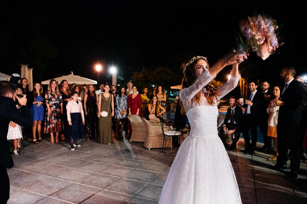 lancio bouquet matrimonio andrea e cristina