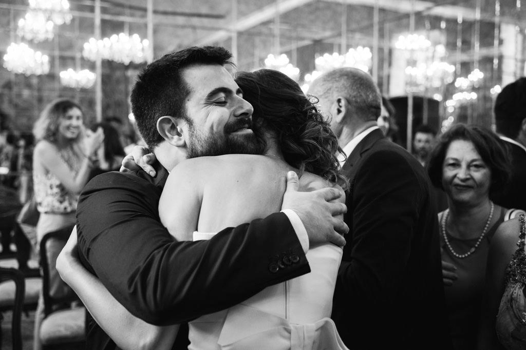 Abbraccio - Foto di Reportage Matrimonio Milano