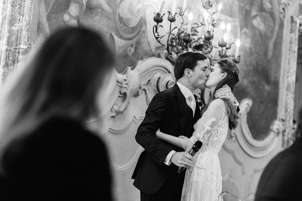 Bacio degli Sposi Foto di Reportage Nozze Milano