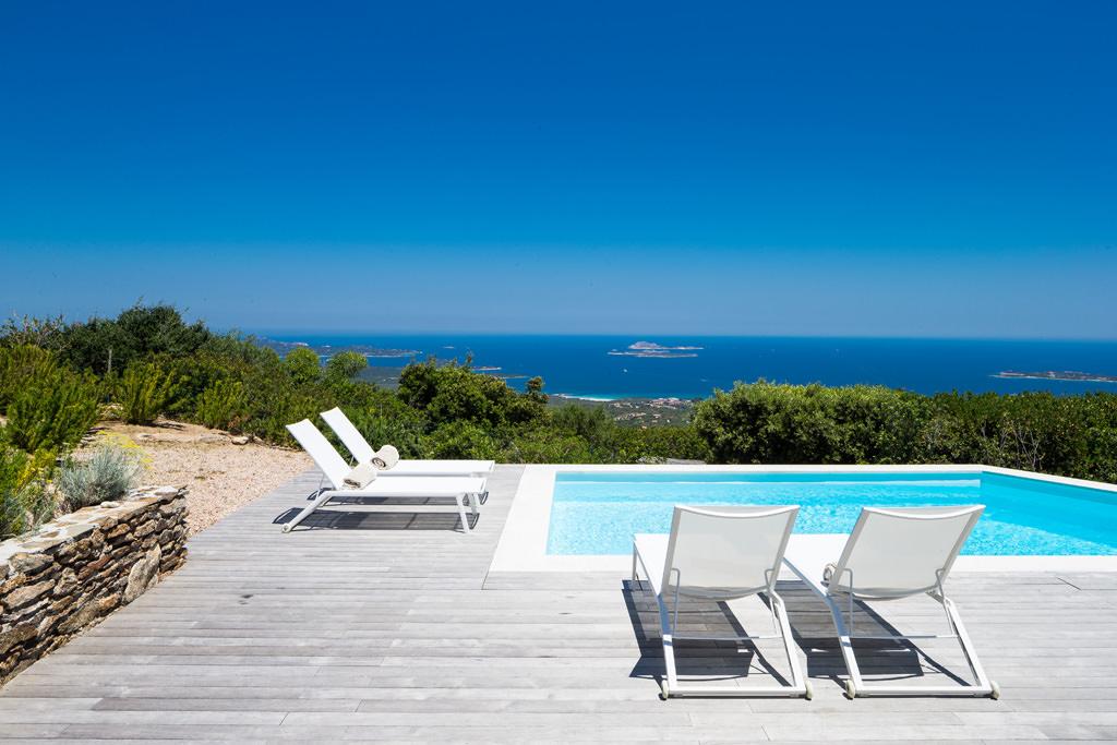 foto piscina solarium